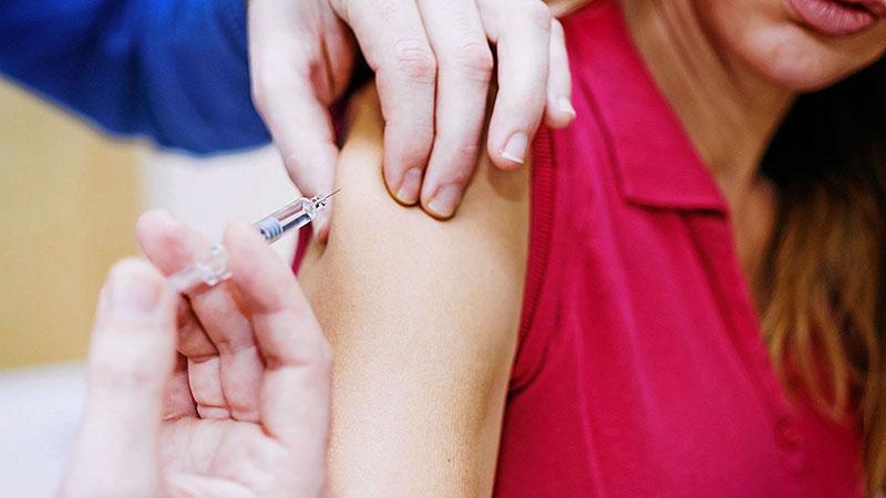 chích ngừa ung thư cổ tử cung tác dụng phụ