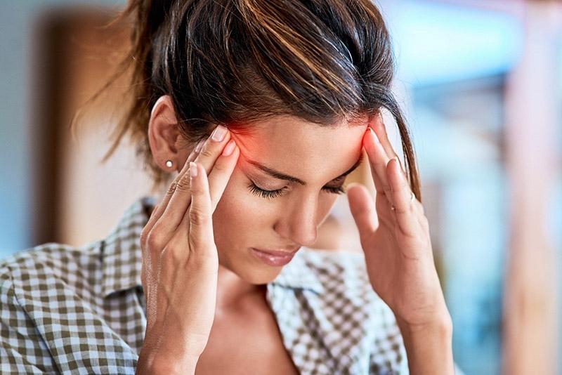 Đau đầu là một trong những dấu hiệu ung thư não điển hình