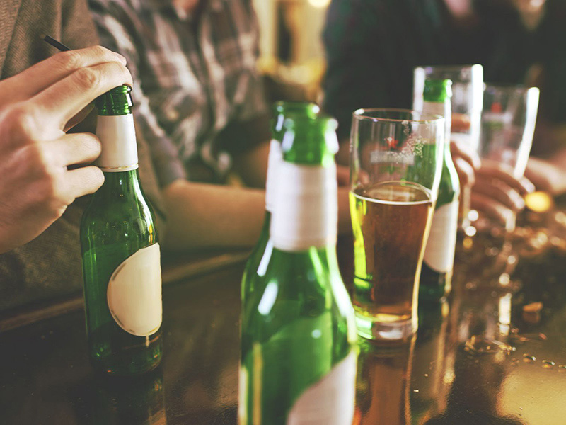 Sử dụng nhiều rượu bia là một nguyên nhân gây ung thư