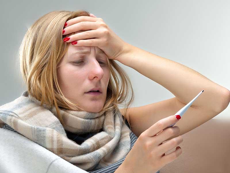 Sốt nhẹ sau khi tiêm vắc xin HPV