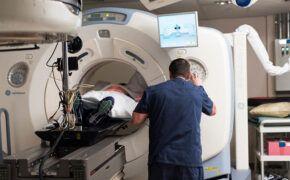 Những tác dụng phụ của xạ trị và biện pháp khắc phục