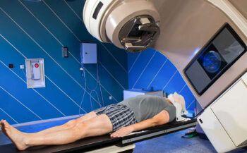 Những tác dụng phụ của xạ trị ung thư khiến người bệnh e ngại