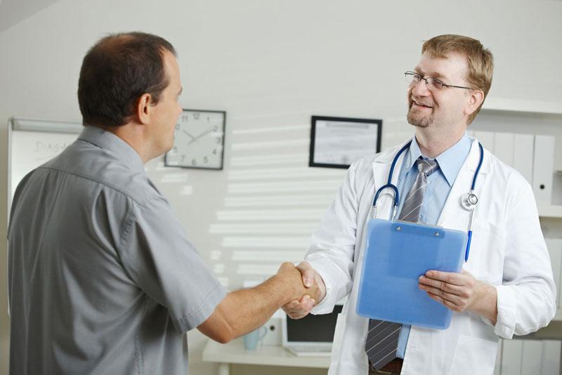 Bạn nên thực hiện tầm soát ung thư phổi tại các cơ sở y tế uy tín