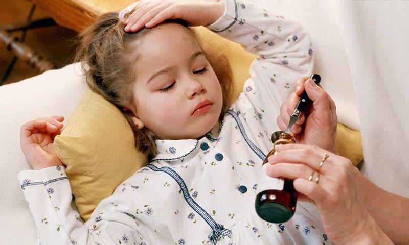 Mẹ cần chú ý bổ sung sức đề kháng cho trẻ để tăng cường sức khỏe và tránh các tác nhân gây bệnh