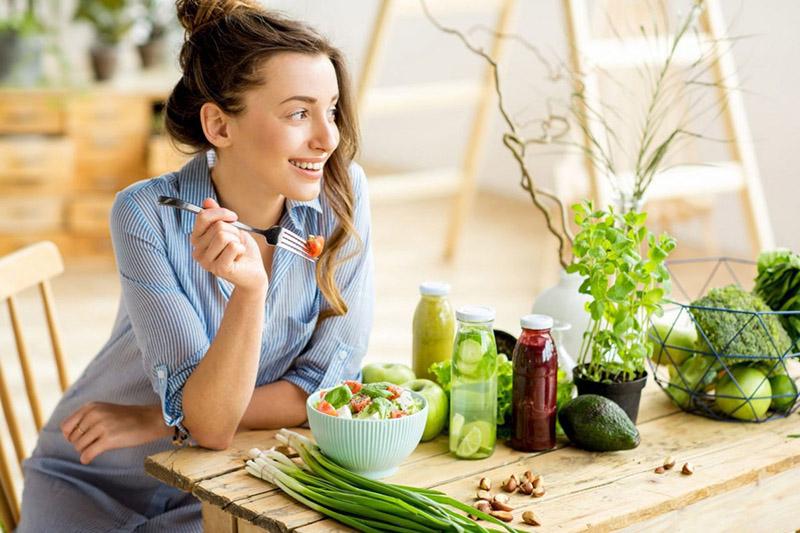 Một chế độ ăn uống lành mạnh sẽ góp phần hạn chế nguy cơ mắc bệnh ung thư dạ dày
