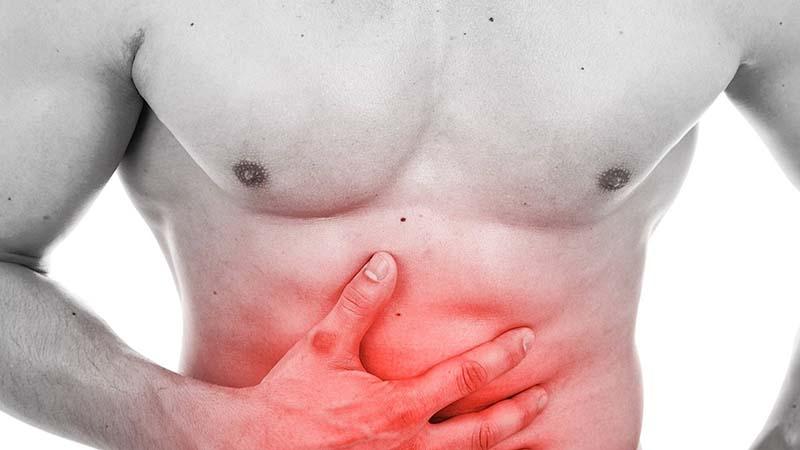Đau quặn bụng, cảm giác trướng bụng vùng trên rốn là triệu chứng thường gặp của bệnh