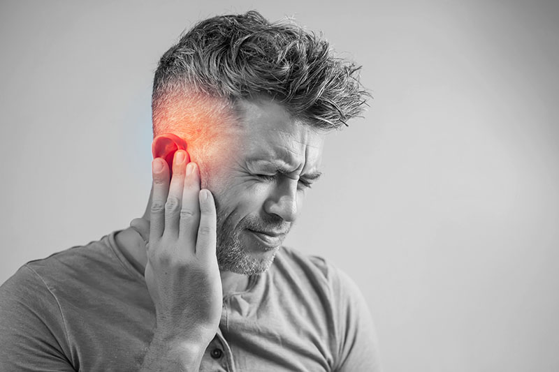 Cần phải cảnh giác với những cơn đau và ù tai thường xuyên